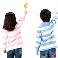 縮まる子供服市場、明暗二極化進む〜迫られる販売チャネルの変化、PBや海外展開に活路も