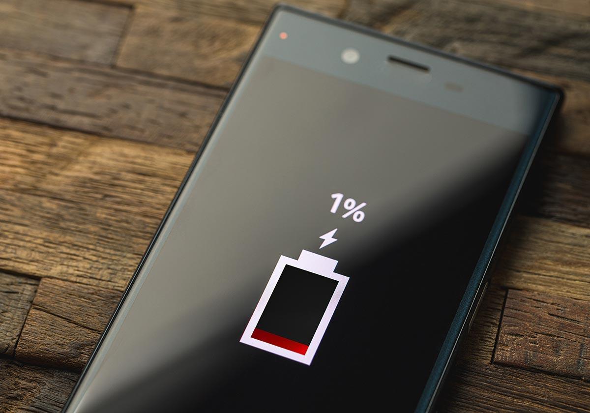 Iphone Android スマホの壁紙を変えるだけでバッテリーが長持ちするって本当