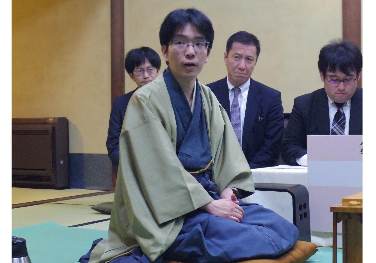 無敵の藤井聡太が5連敗…なぜ豊島将之にだけは勝てないのか?高度な作戦家「キュン」の画像1